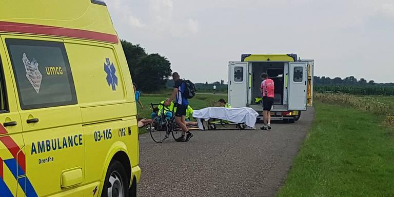 Wielrenners naar ziekenhuis na botsing.