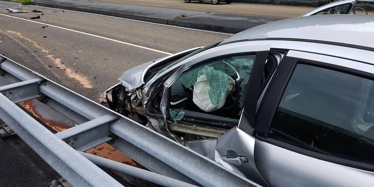 Twee gewonden bij auto-ongeluk in Assen.