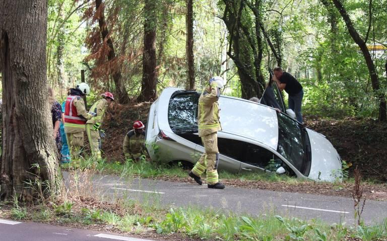 Twee gewonden bij ongeluk in Rolde.