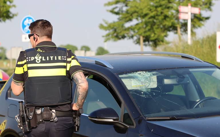 Fietser naar ziekenhuis na aanrijding in Zuidhorn.