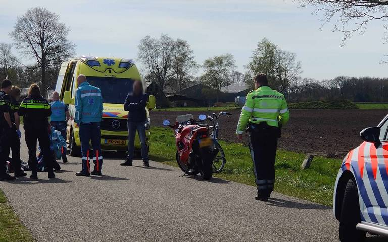 Fietser gewond bij aanrijding met motor in Assen.