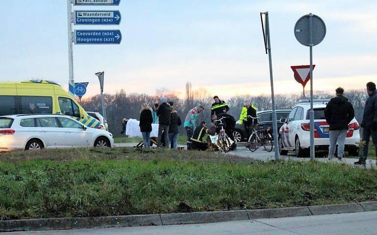 Fietser gewond bij aanrijding met auto op Hondsrugweg.