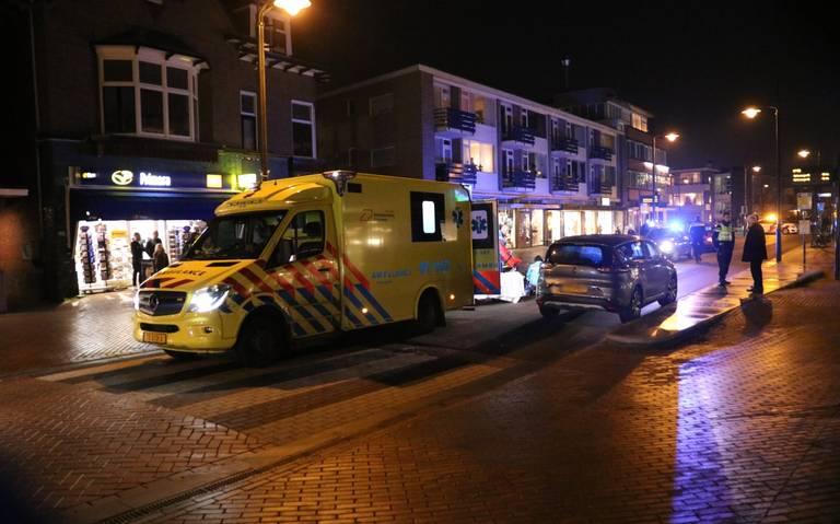 Voetganger gewond na aanrijding met auto in Haren.