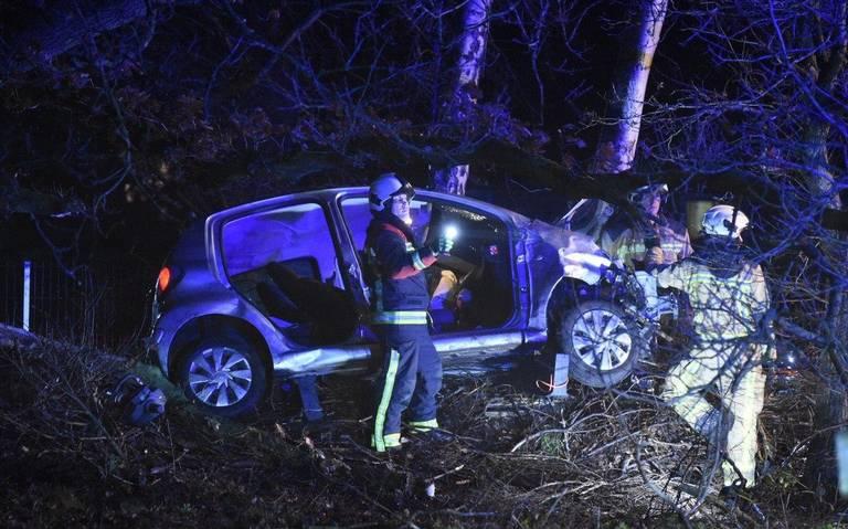 Automobiliste raakt gewond bij eenzijdig ongeval bij Stieltjeskanaal.