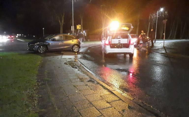 Gewonde bij botsing tussen autos in Coevorden.