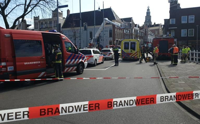 Ongeval bij Ebbingebrug in Groningen, traumahelikopter aanwezig.
