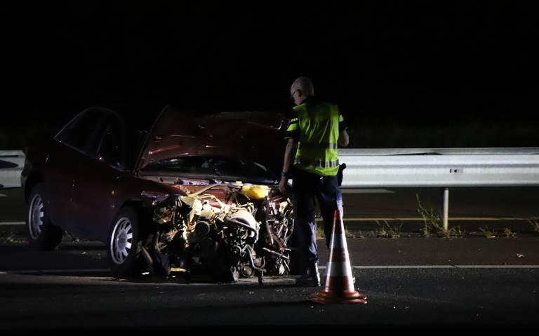 Flinke ravage bij eenzijdig ongeluk op A28 bij Hoogeveen.