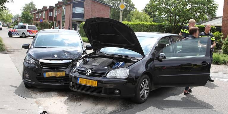 Persoon gewond bij autobotsing in Oude Pekela.