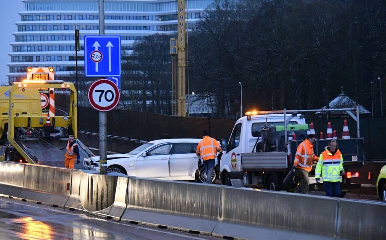 File op ringweg Groningen door auto-ongelukken.