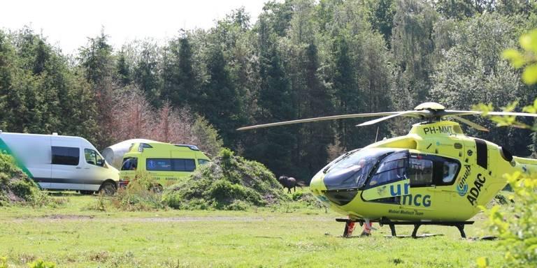 Persoon gewond na ongeval met tractor in Zevenhuizen.