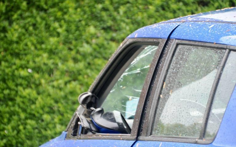 Fietsster lichtgewond bij aanrijding met auto op kruispunt in Oude Pekela.