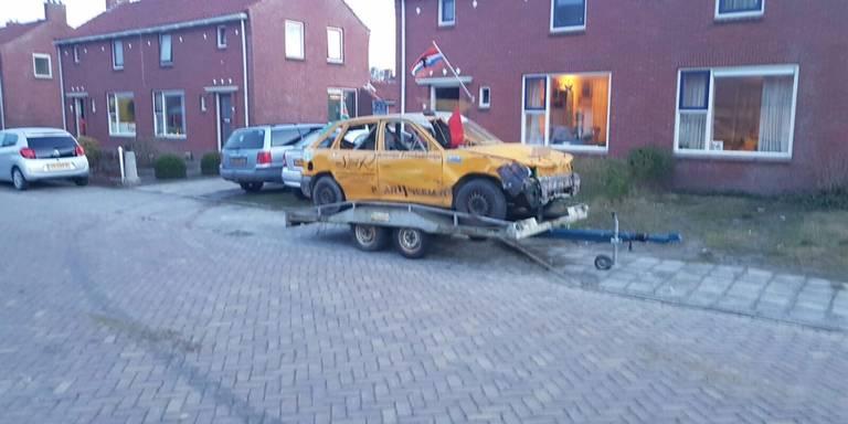 Verboden crossauto veroorzaakt aanrijding in Uithuizermeeden.
