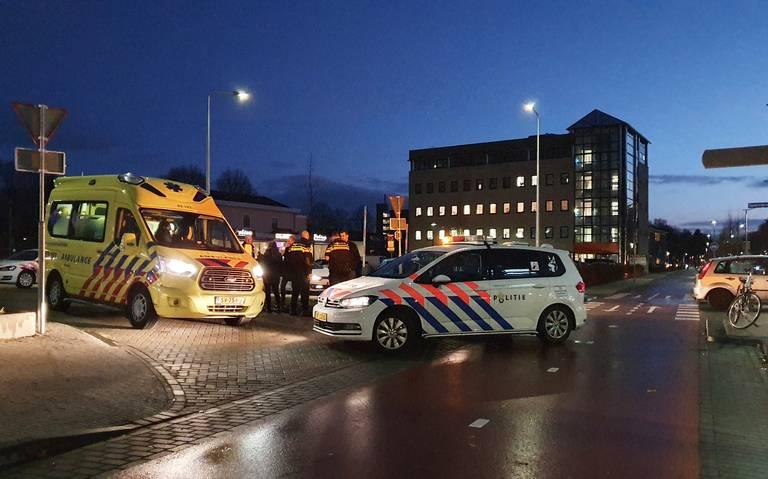 Meisje raakt gewond bij botsing met auto in Assen.