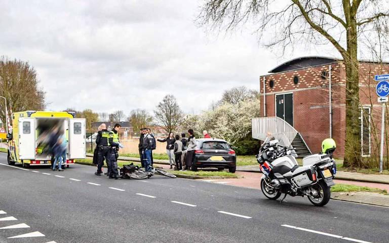 Fietser gewond bij aanrijding met auto in Hoogkerk.