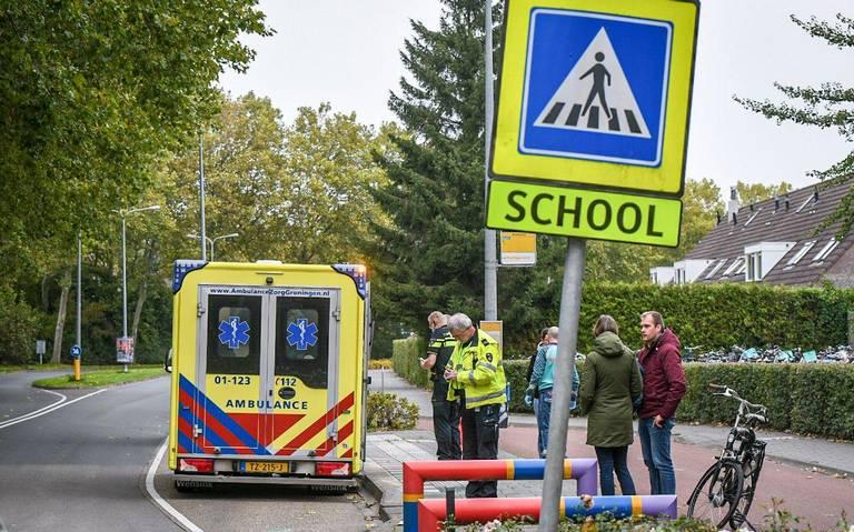 Kleuter naar ziekenhuis na aanrijding voor de deur van kinderdagverblijf in Groningen.