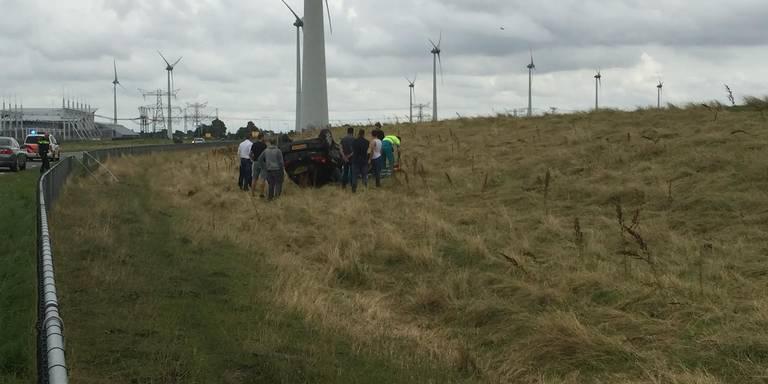 Man ernstig gewond bij ongeval Eemshaven.