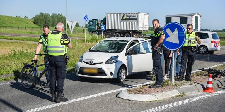 Twee jongens gewond bij aanrijding N33 Appingedam.