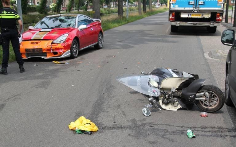 Scooterrijder gewond bij botsing met auto in Stadskanaal.