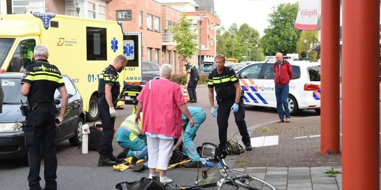 Fietsster gewond na aanrijding in Leek.