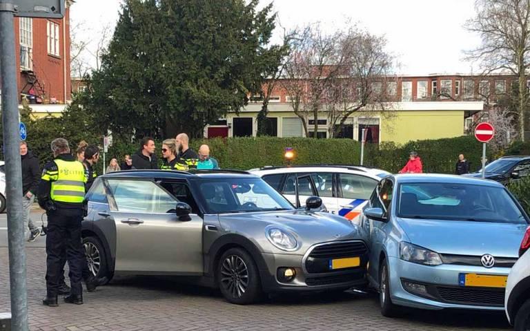 Ruziënde inzittenden auto veroorzaken ongeluk op Verlengde Hereweg in Groningen.