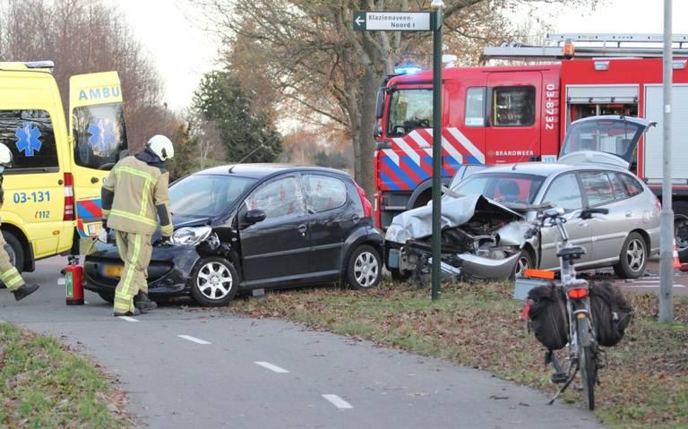 Twee gewonden bij auto-ongeluk in Klazienaveen.