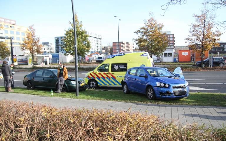Gewonde bij kop-staartbotsing in Emmen.