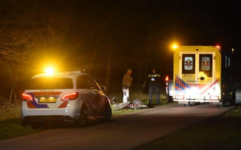 Fietser gewond door botsing met busje bij Roswinkel.