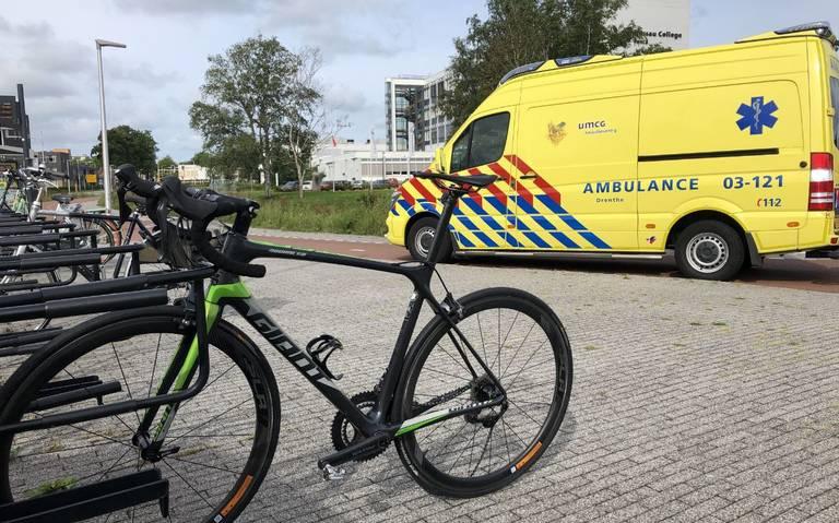 Wielrenner gewond bij aanrijding met auto in Assen.