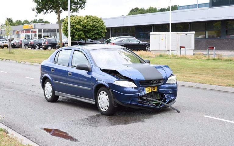 Drie auto's betrokken bij aanrijding in Emmen.
