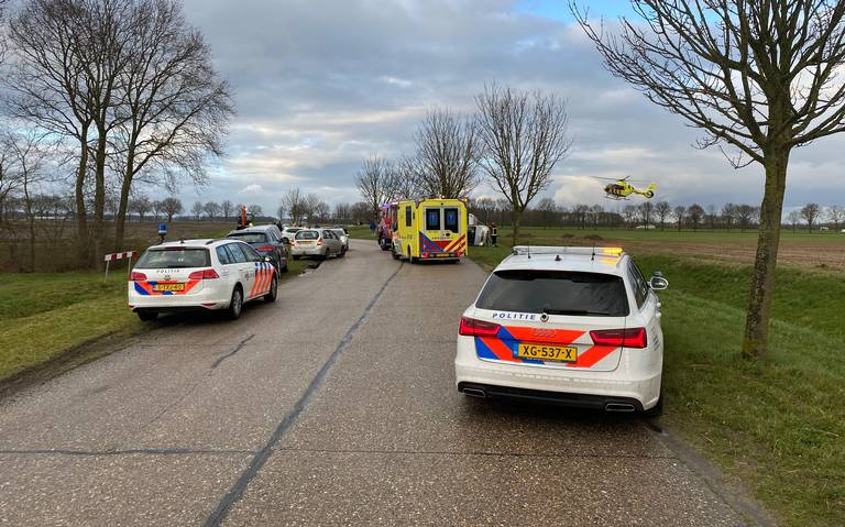 Weg tussen Noordbroek en Zuidbroek dicht na ongeluk.