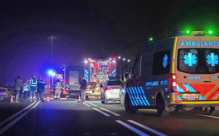 Man uit Coevorden overlijdt na frontale botsing tussen twee autos op N382.