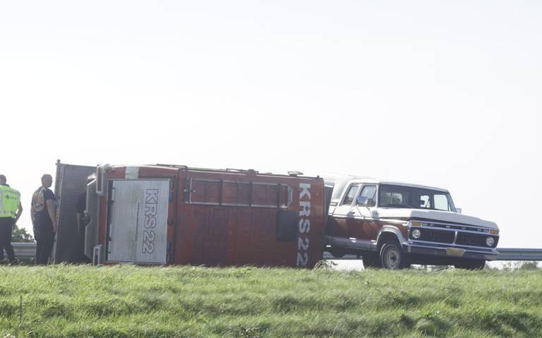 Ongeval met oude brandweerwagen op A7 richting Marum: rijstroken richting Drachten tijdelijk afgesloten.