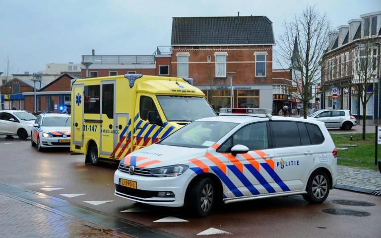 Fietser gewond bij aanrijding met auto in Winschoten. Kop-staartbotsing in door ongeluk ontstane file.