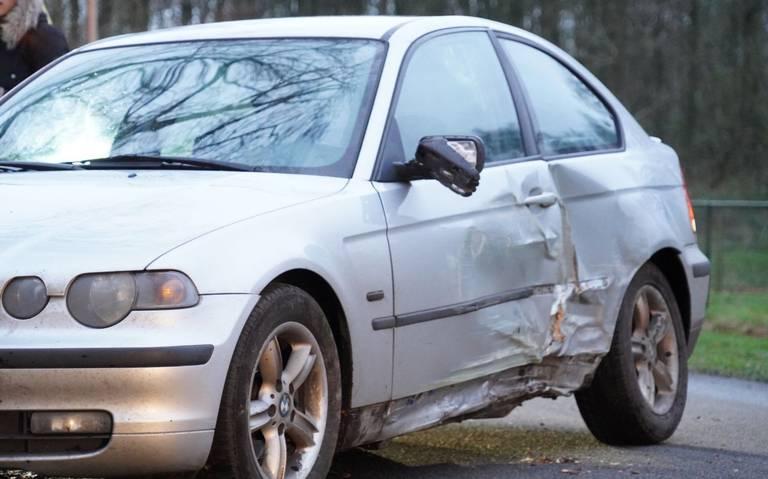 Automobilist die door politie werd aangereden, botste kort daarvoor al op boom.