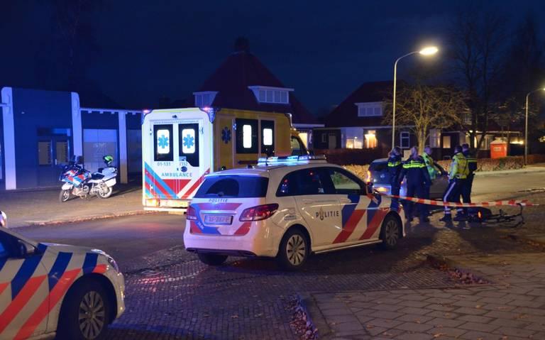 Fietser raakt gewond bij botsing met auto in Veendam.