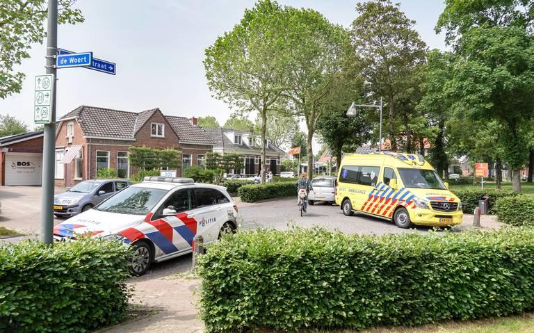 Fietsster valt op haar hoofd op Hoofdstraat in Peize na botsing met automobilist.