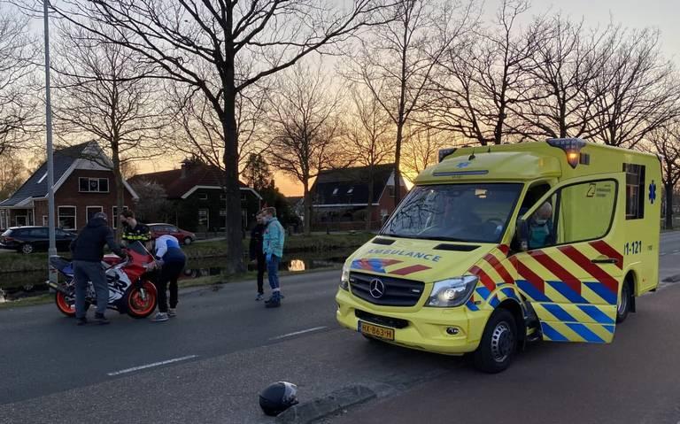 Motorrijder naar ziekenhuis na aanrijding met auto in Musselkanaal.
