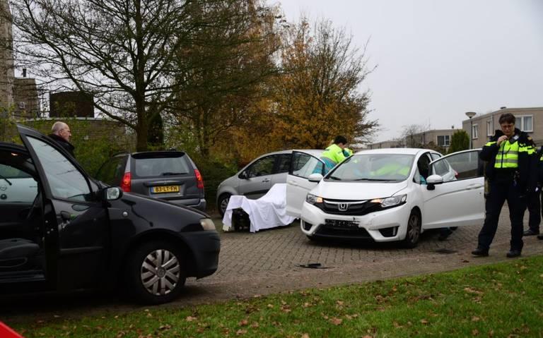 Inzittenden gewond bij frontale botsing op Jan Leugsstraat in Appingedam.