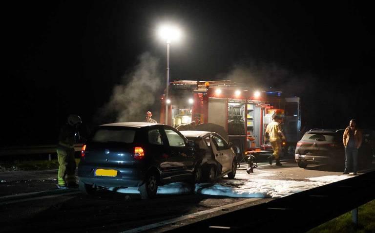 Kop-staartbotsing op N34 bij Emmen, 3 gewonden naar ziekenhuis.