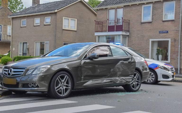 Botsing tussen twee autos in Grijpskerk.