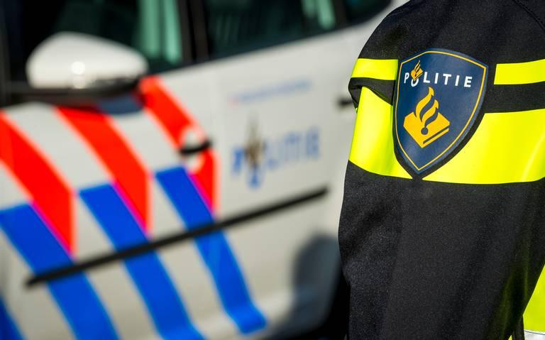 Scooterrijder in Veendam slaat bestuurder na ongeluk en gaat er vandoor.