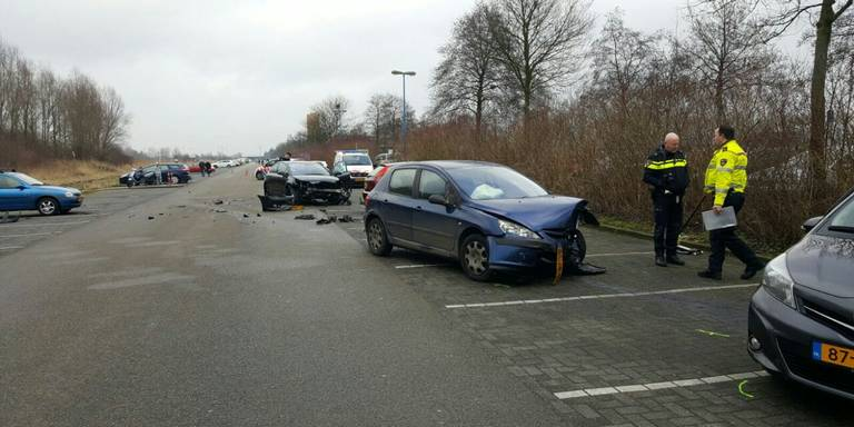 Ongeluk op parkeerplaats Sportcentrum Kardinge.