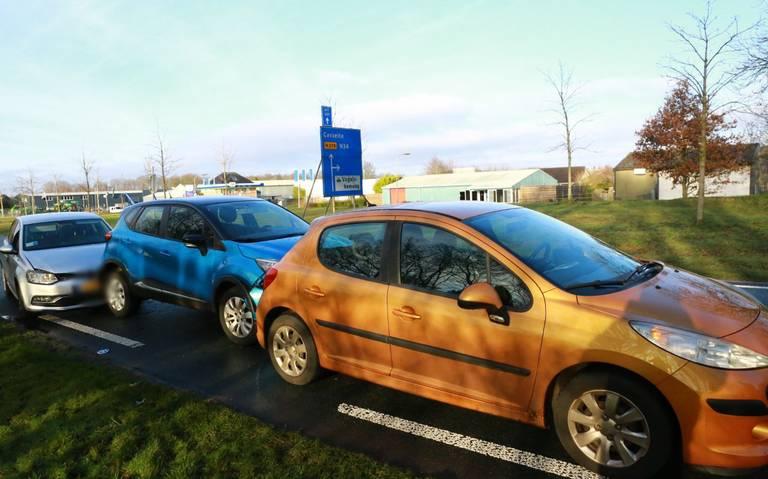 Drie auto's betrokken bij kop-staartbotsing op N378 bij Gasselternijveen.