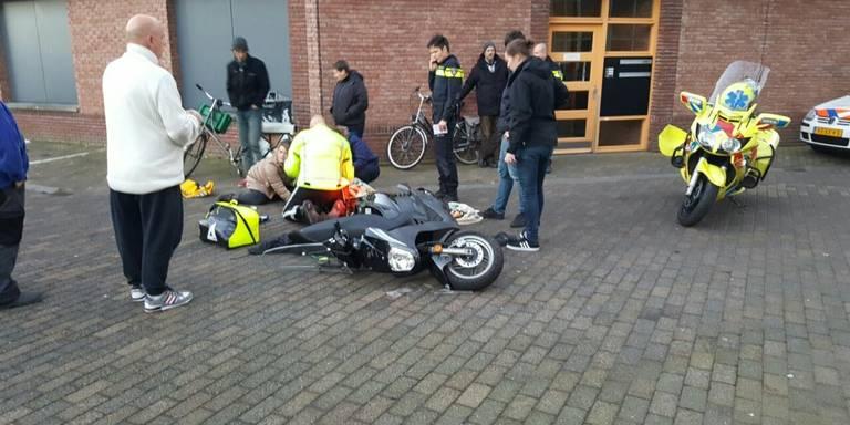 Scooterrijder er vandoor na botsing in Groningen.