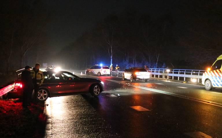 Eén persoon naar ziekenhuis na botsing op N387 bij Siddeburen.