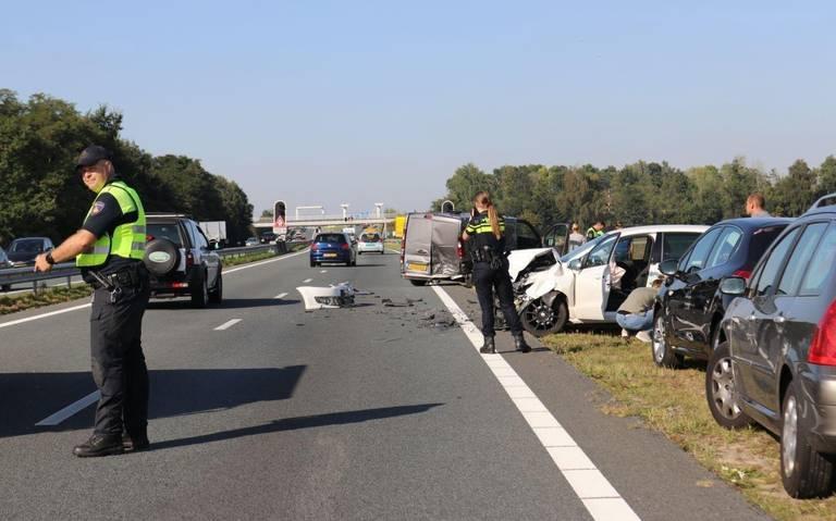 MEers verlenen eerste hulp bij verkeersongeval op N33 bij Meeden.