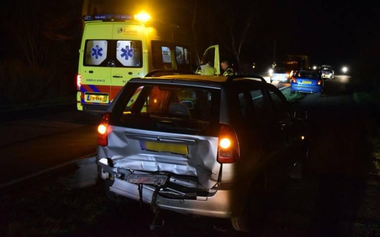Kop-staatbotsing tussen Drachtstercompagnie en Opende, gewonde automobilist naar ziekenhuis.