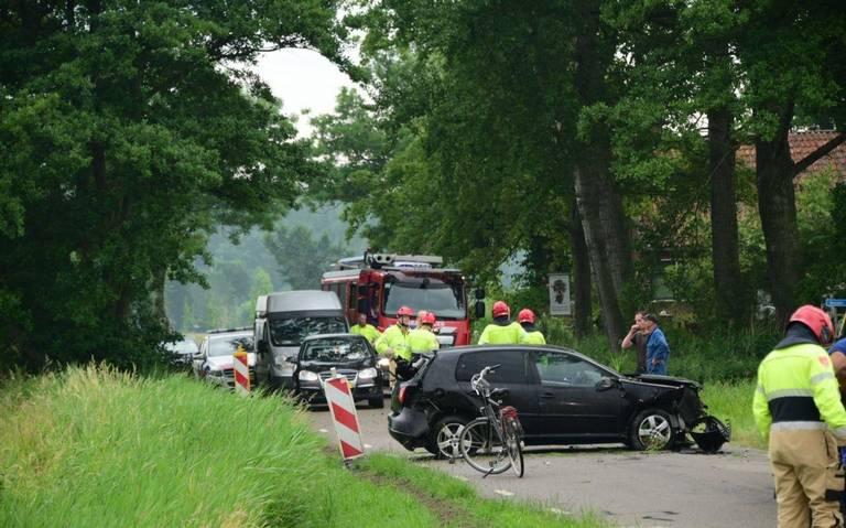 Automobilist naar het ziekenhuis na eenzijdig ongeval op Godlinzerweg in Leermens.