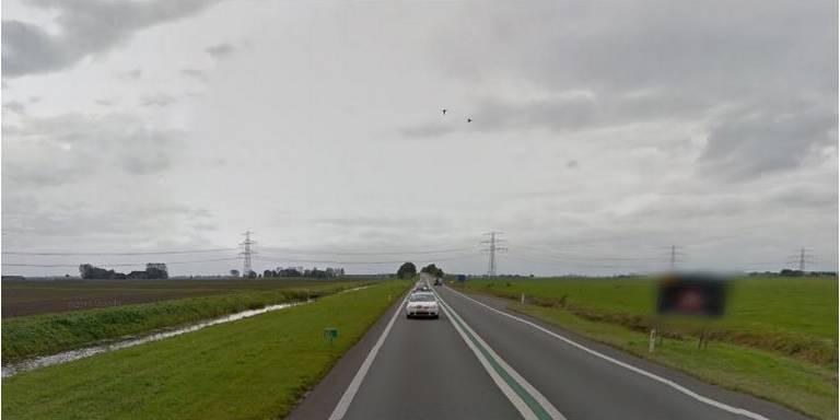 Twee gewonden bij aanrijding op de Eemshavenweg.