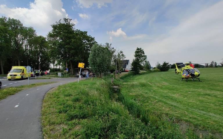 Fietser gewond bij aanrijding met auto op N361 bij Groningen.